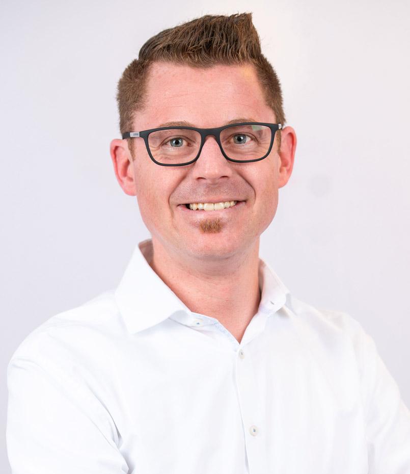 Florian Vollmann: Rettungsassistent, Brandschutzfachkraft (IHK), Brandschutzbeauftragter