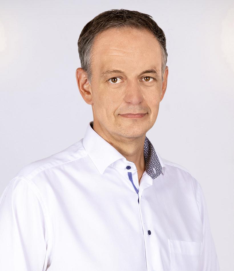 Florian Weiß: Notfallsanitäter, Brandschutzfachkraft (IHK), Vertriebsaußendienst